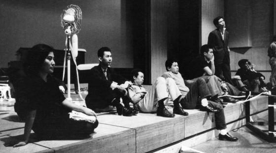 Yoko Ono. Pieza de audiencia. Sogetsu Art Center, Tokio, 1964.