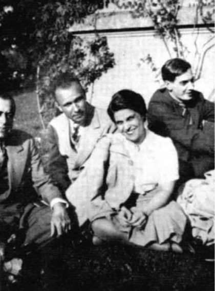 Alfred Métraux en 1939 en Villa Ocampo, San Isidro, Argentina. Junto a él, Alfredo González Garaño, María Rosa Oliver y Roger Caillois.